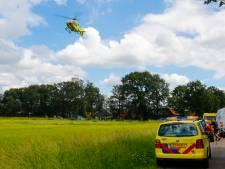 Wielrenner per traumahelikopter naar het ziekenhuis na botsing met auto bij Luyksgestel