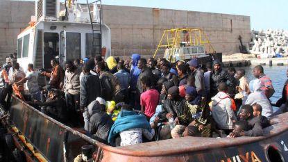 """Drie twintigers gearresteerd voor marteling migranten in Libië: """"Elektrische schokken tot slachtoffer bewusteloos op de grond viel"""""""