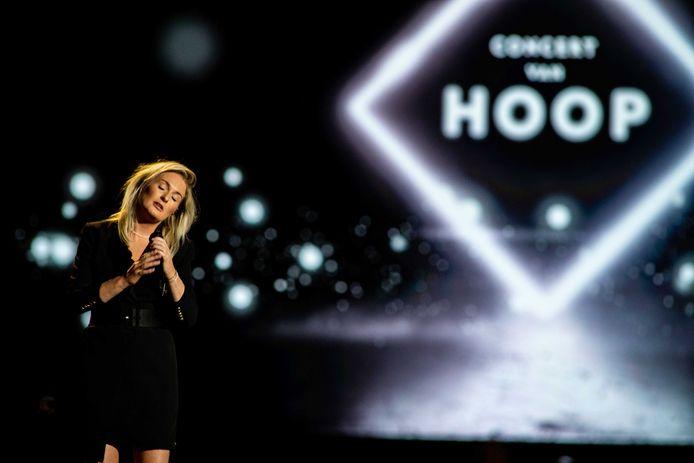 Miss Montreal tijdens het Concert van Hoop in Ahoy.