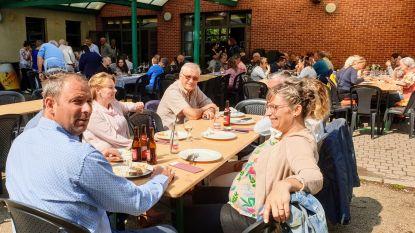 Ravels trakteert 180 vrijwilligers op barbecue