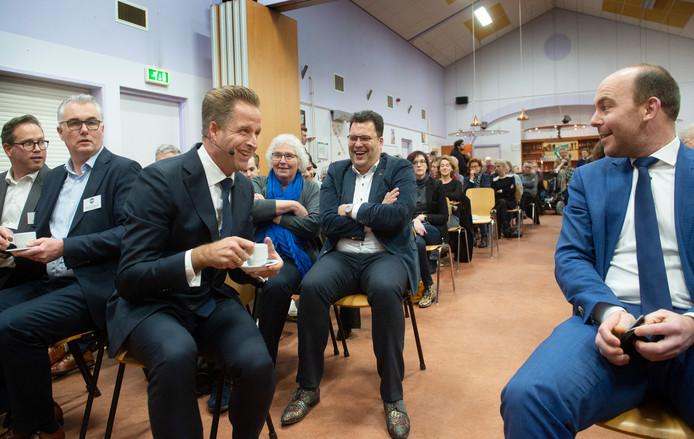 Hugo de Jonge (linksvoor) is te gast in De Binnenstad te Oss.