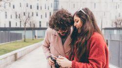 Love bombing is de nieuwste datingtrend: 3 vrouwen vertellen over hun ervaring ermee