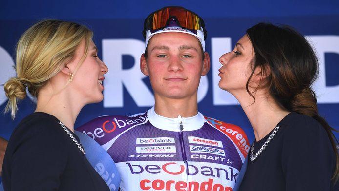 Van der Poel mocht ook al in de Ronde van België vieren, hier op het podium in Moorslede.