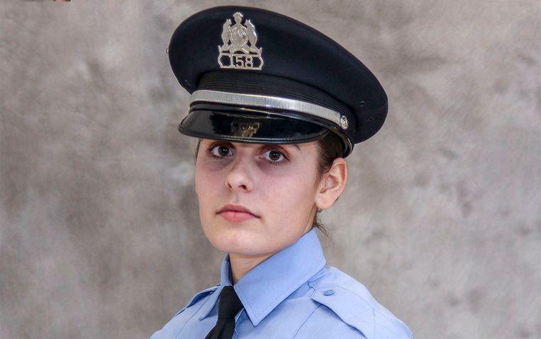 Agente Katlyn Alix (24).