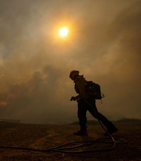 Des milliers de personnes évacuées en Californie en raison d'un incendie de forêt
