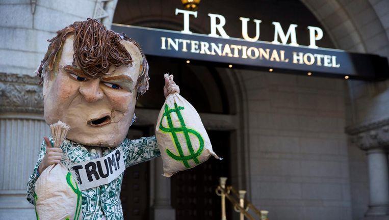 Demonstratie bij het Trump-hotel in Washington. Beeld epa