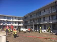 Uitslaande brand in appartement in Waterstraat geblust: veel schade, geen gewonden