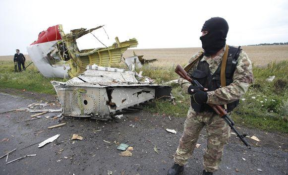 Volgens de OVSE-waarnemers werden er tal van brokstukken van het wrak verplaatst door de rebellen.