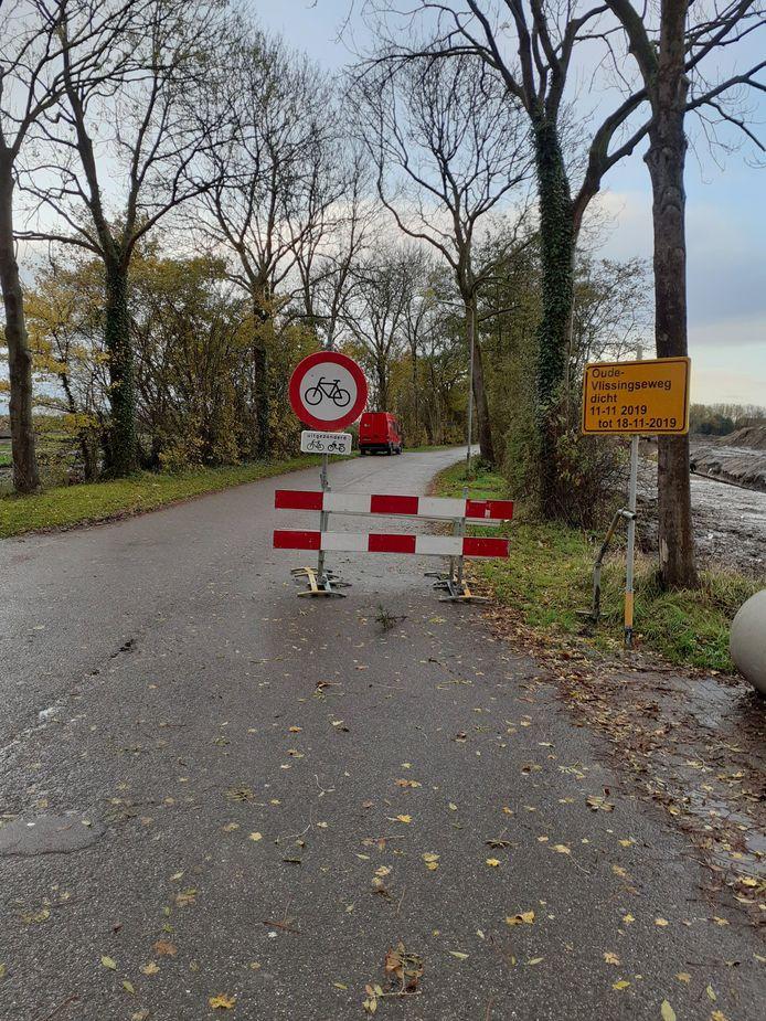 Borden bij de Oude Vlissingseweg, tussen Middelburg en Oost-Souburg.