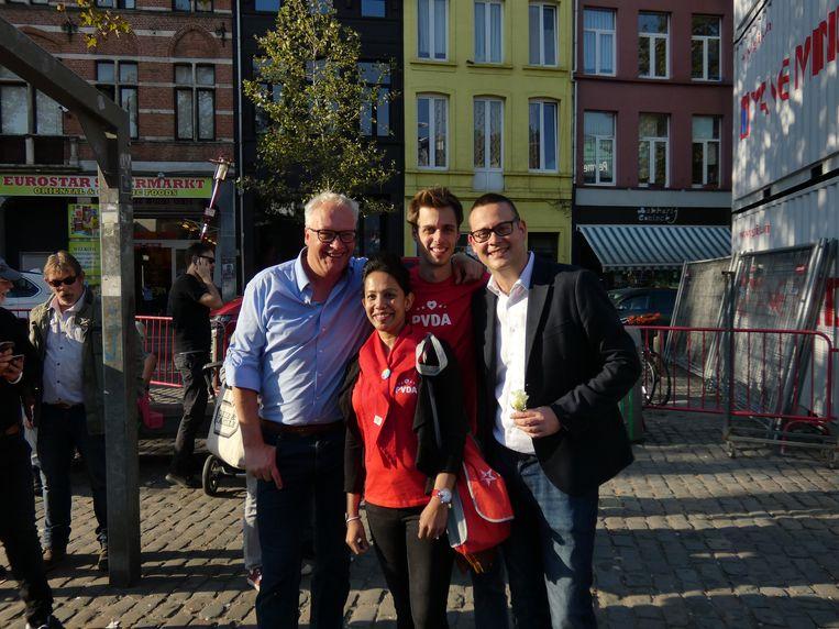Peter Mertens (lijsttrekker PVDA Antwerpen), Jos D'Haese (zesde plaats), parlementslid Raoul Hedebouw en Shayla Sharmin (zestiende plaats)/