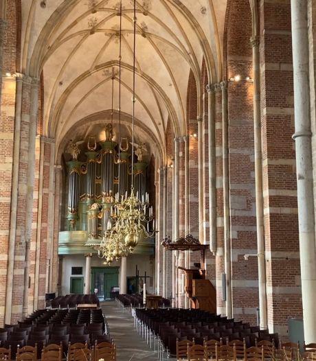 Lebuinuskerk Deventer opent gedenkplek voor iedereen die iemand is verloren aan corona of iets anders: 'We willen baken van rust zijn'