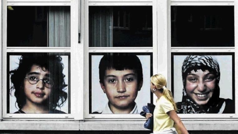 Portretten van leerlingen van een basisschool in Amsterdam. (FOTO PATRICK POST) Beeld Trouw