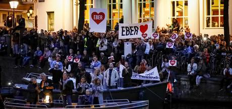 Zieke Eberhard van der Laan bedankt zijn volk