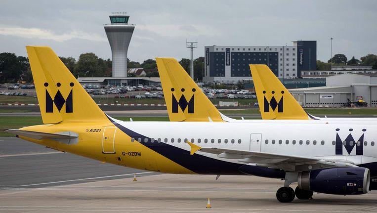 Toestellen van Monarch aan de ketting op de luchthaven van Birmingham Beeld afp