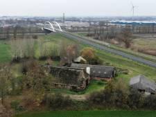 Provincie schuift niet mee voor verkoop verlaten boerderij Zutphen