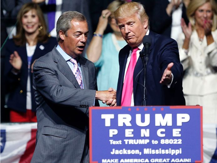 Nigel Farage sprak in augustus 2016 op een verkiezingsrally van Trump, toen nog presidentskandidaat.