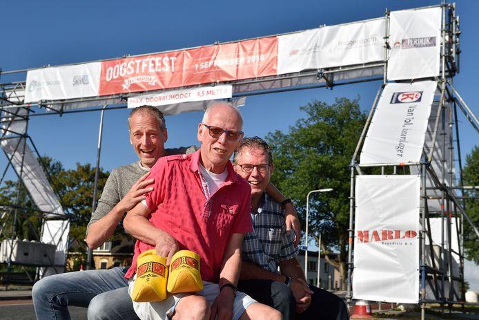 Foto uit 2018: Organisatoren van het Oogstfeest: Niels Elgersma, Jan Dijkshoorn en Henny Bruggeman.