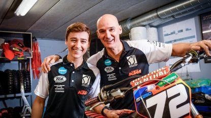 """Stefan Everts ziet zoon Liam zijn eerste cross winnen: """"Nu ben ik blij dat ik alle pijn heb overleefd"""""""