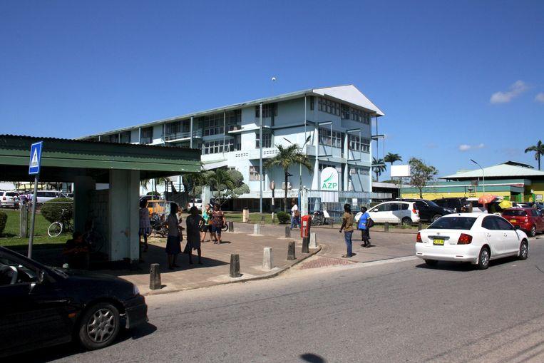 Het Academisch Ziekenhuis Paramaribo, waar de verpleegkundigen zoeken naar werk in het buitenland. Beeld Zoe Deceuninck