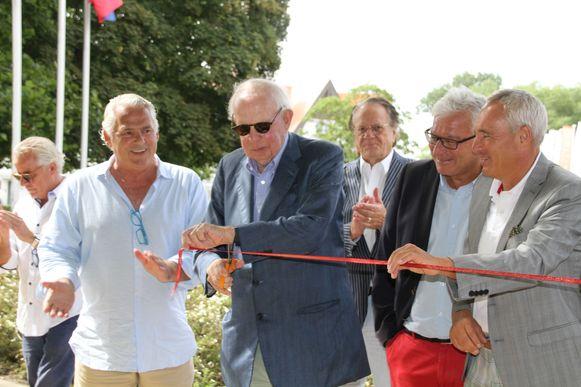 De nieuwe petanquevelden aan het Oosthoekplein werden in gebruik genomen