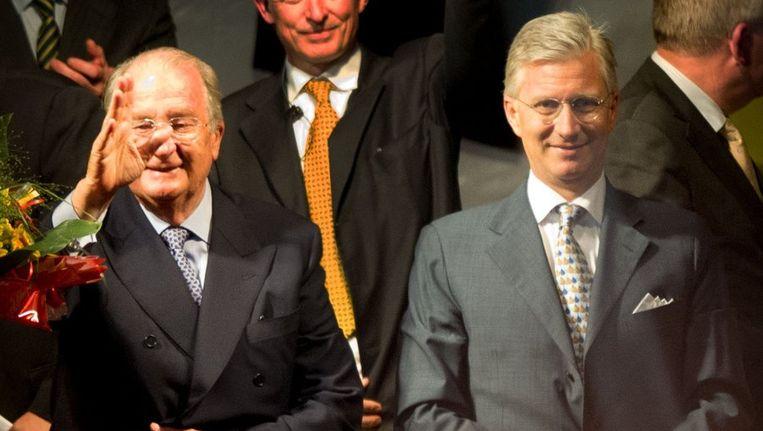 Koning Albert en prins Filip tijdens het Bal National op het Vossenplein. Beeld anp