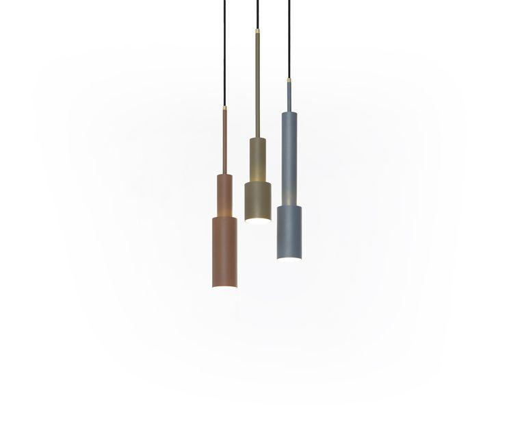 Met de 'Skylight'-lampen van Frederik Roijé kan een skyline gevormd worden. 50 cm hoog, € 119 per stuk. roije.com Beeld Anke Leunissen