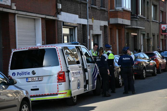 De politie zoekt de jongen in Deurne.