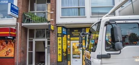 Politie ontmantelt hennepkwekerij boven Western Union in Arnhem; één verdachte opgepakt