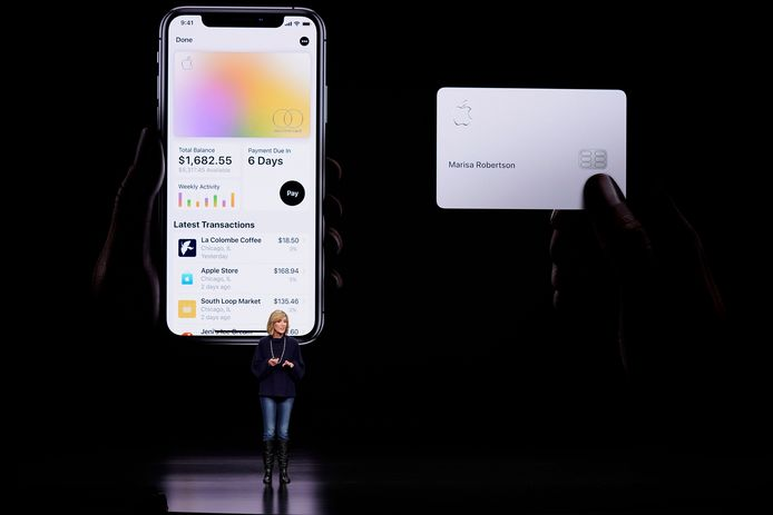 Jennifer Bailey, vice-president van Apple Pay, stelde in maart het principe van de Apple Card voor.