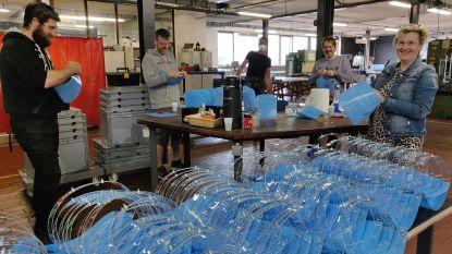 VTI maakt en schenkt 200 gelaatsschermen aan woonzorgcentra