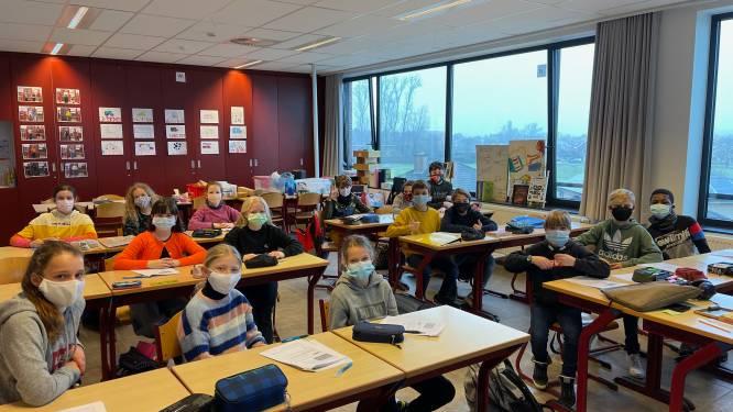 Bijna alle leerlingen van het 5de en 6de komen met mondmasker naar school in Aarschots Sint-Jozefscollege