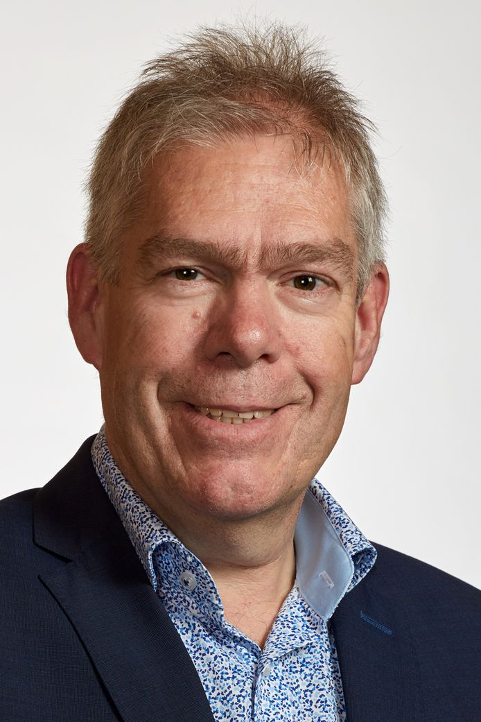 """Wethouder Martien Vromans: ,,Als alles meezit, kan het werk aan de Leunisdijk in Esch in oktober beginnen."""""""