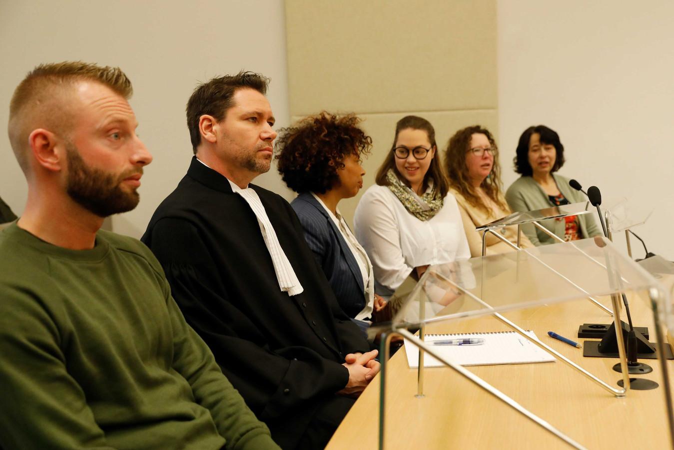 Ouders en donorkinderen tijdens de uitspraak van de rechtbank Rotterdam, twee maanden geleden.