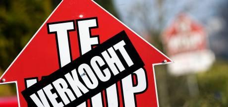 Enschedese makelaars reageren op blufpokerspel: 'Dit is niet onze handelswijze'