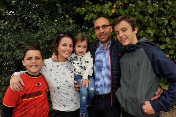 Lukas Matteo, mama Debbie met dochtertje Valentina, papa Alfredo en zoon Pietro.