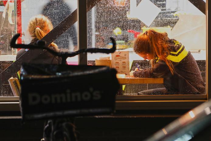 Gewapende overal op Domino's Pizza
