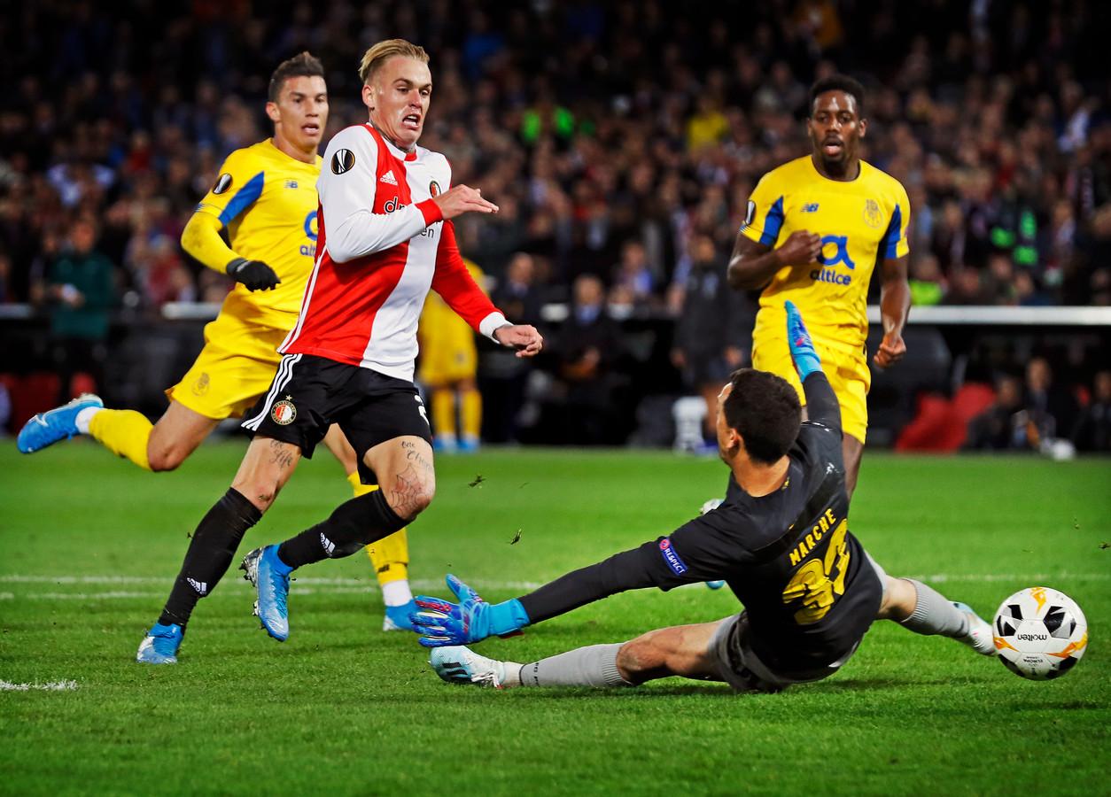 Rick Karsdorp scoort tegen Porto.