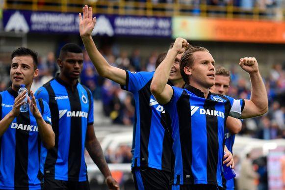 De 2-1 overwinning van Club Brugge tegen rivaal Anderlecht werd ontsierd door antisemitische gezangen bij een deel van de club-aanhang.