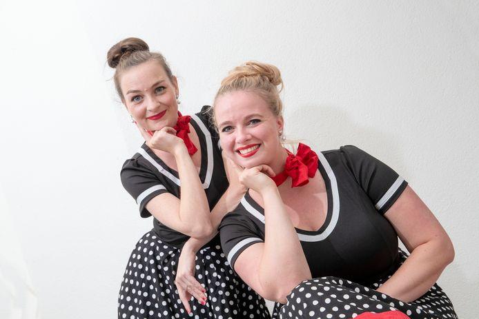 Jasmijn Groote (links) en Sara Nonnekes van Queens.