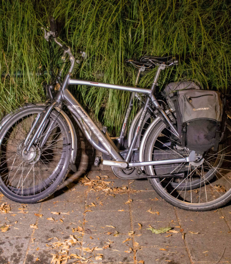 Man afgevoerd met ernstige verwondingen na val met fiets