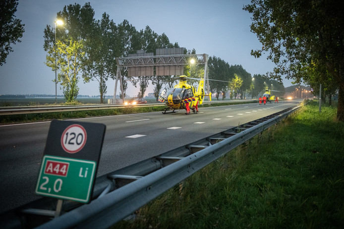 Twee traumahelikopters landden op de A44, maar reanimatie mocht voor Jan en Riet van Dam uit Houten niet meer baten.
