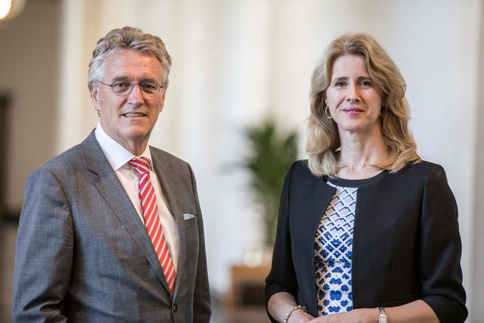 Burgemeester John Jorritsma en staatssecretaris Mona Keijzer.