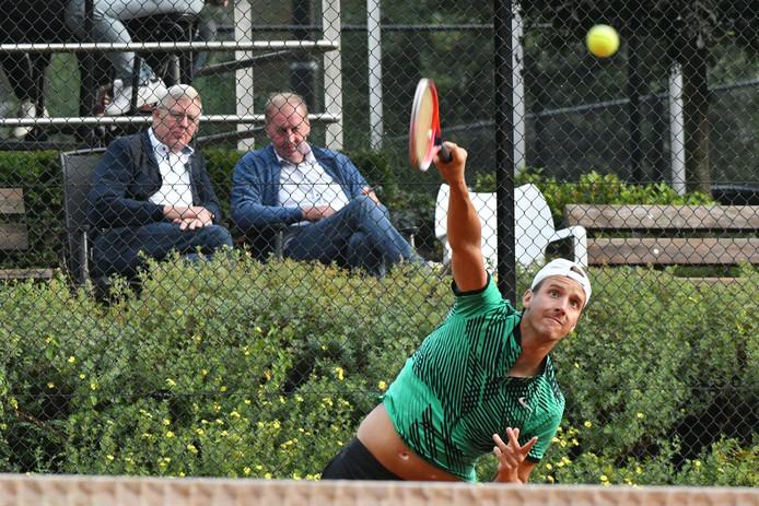 Het Future tennis toernooi Oldenzaal met in de tweede ronde Enschedeër Justin Eleveld, de regionale favoriet.