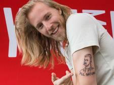 Qmusic-dj choqueert met tattoo van presentator Streetlab