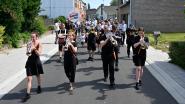 Vernieuwde Bellestraat officieel ingewandeld met fanfare
