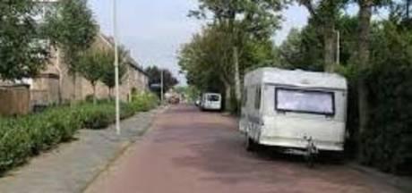 Gemeente en politie in actie na klachten over geparkeerde voertuigen
