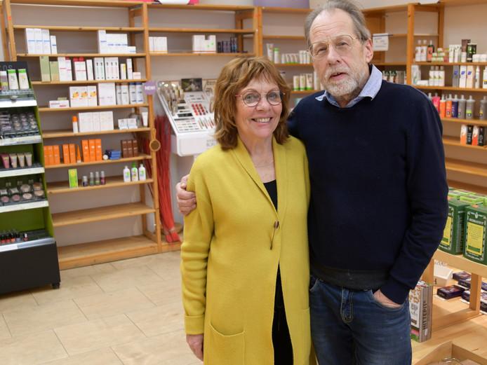 Henk en Woudi Lucieer gaan met pensioen. Hun natuurwinkel Innatura is nog een weekje open.