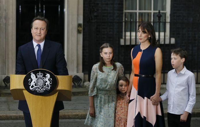 Brits ex-premier David Cameron, samen met zijn gezin, in 2016.