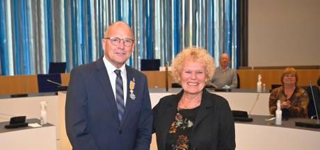 Remy Denker, de Almeloër die morse op de erfgoedlijst kreeg, is onderscheiden met ridderorde