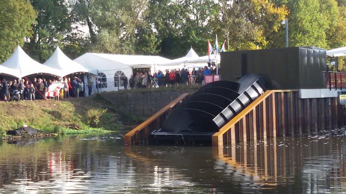 Grote drukte bij opening Waterkrachtcentrale in Sint-Michielsgestel.